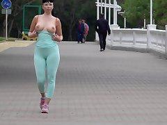 Cameltoe while jogging. Wearing tight leggings