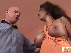 Fuckable GILF gets stretched at large off out of one's mind a fat horseshit