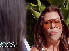 StepMom Alexis Fawx Shows Eliza Ibarra How It's Performed - BABES