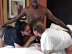 Big Dicked Texan Brings be passed on Meat for a Thick Girl Threesome feat. Luscious Lilli.