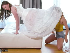 She Cheats With Say no to Stepsister While Trying On Wedding Dresses