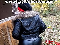 Taylor Burton, curves on the top of fire