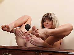 Gina Gerson Gets Busy With Pussy Pump