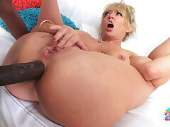 Busty MILF Dee Williams Has Anal Fuck With BBC Sean Michaels
