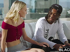BLACKED – BBC-hungry Comme ci tracks down her superstar crush