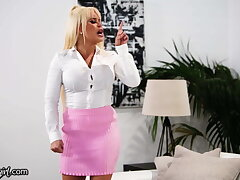 Verifiable Estate Agent Nina Elle Goes Wild With A MILF