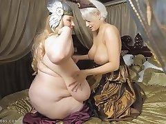 2 big tits pass� queens