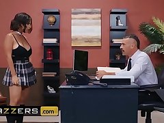 Big Titties at School - (LaSirena69, Charles Dera) - An Foreign And Erotic Student - Brazzers