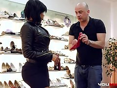 YOUMIXPORN Interactive Hardcore interracial fuck - Chunky ass ebony enchantress Canela Skin fucks for easy boot-lick and gets cum greater than her feet