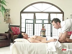 India Summer and The Happy Eat one's fill Masseur