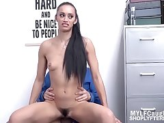 Latina MILF Knows Her Way Out- Gia Vendetti